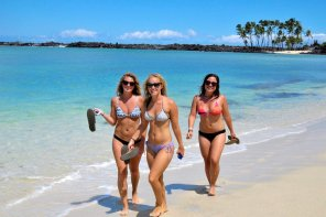 amateur photo Girls on the Shore, Sandals in Hand