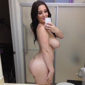 amateur photo Noelle Easton selfie