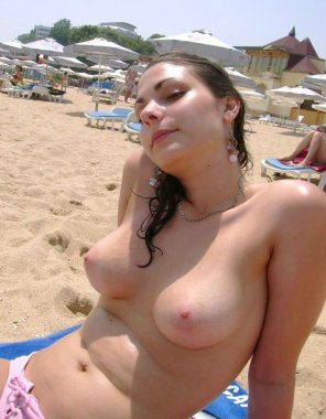 amateur photo Cutie on the beach