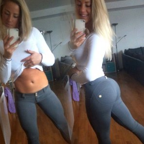 amateur photo Fit blonde