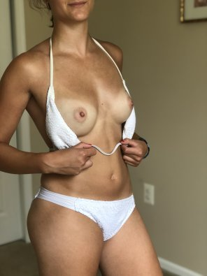 amateur photo Fresh tanlines