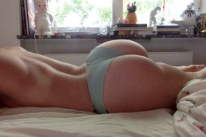 amateur photo Grey bottoms