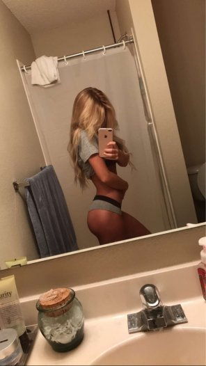 amateur photo PicturePetite Blonde