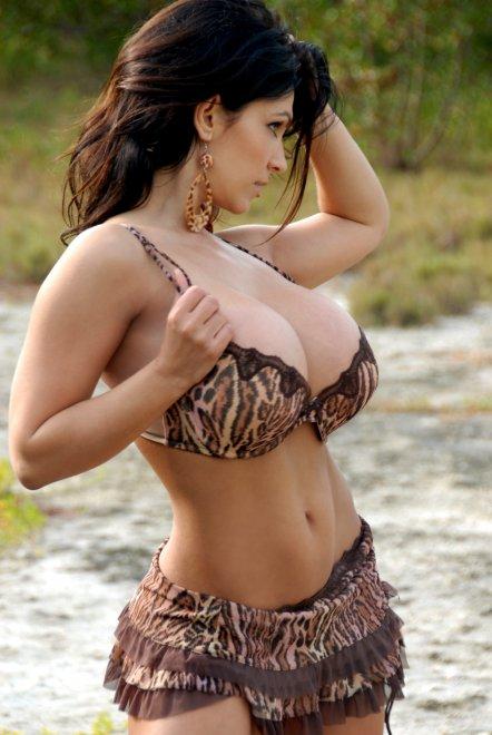 Denise Milani Porn Photo