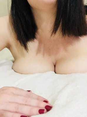 amateur photo Good morning! I hope this little tease perks you right up! <3