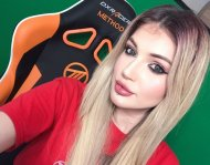 PictureBeautiful Gamer Girl/Makeup Artist
