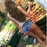 amateur photo apple picking