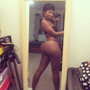amateur photo Ebony Thickness...