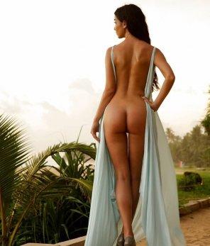 amateur photo Zip her up? No?