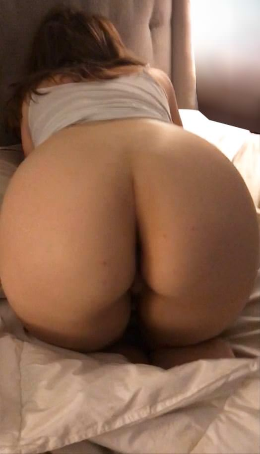 Thick White Ass Ready For Doggy Porn Photo