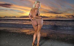 amateur photo Anikka Albrite