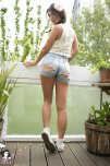 amateur photo India Reynolds in ripped denim shorts