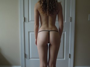 amateur photo Curly hair and tight body