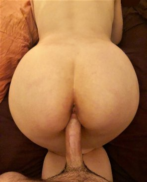 amateur photo Sometimes all a girl needs is a big cock to stretch her out [OC]