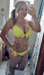 amateur photo Curvy in bikini