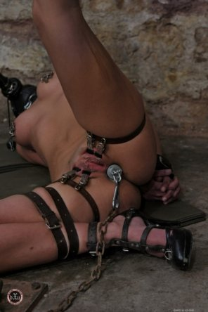 amateur photo Preparing the slave for the party