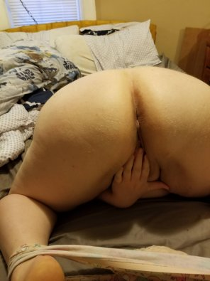 amateur photo [F]ace down ass up