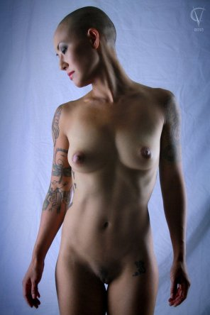 amateur photo Bald beauty