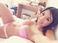 Busty hottie