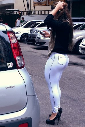 amateur photo Locked out of her car
