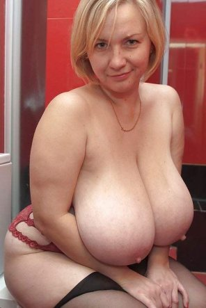 amateur photo Juicy MILF