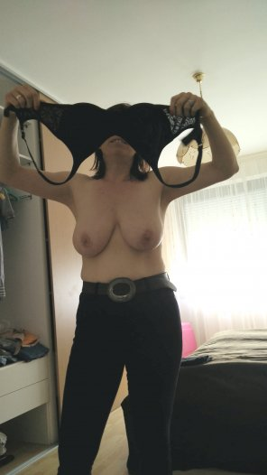 amateur photo tits and jeans