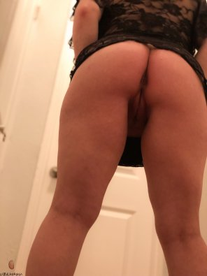 amateur photo From behind [f]
