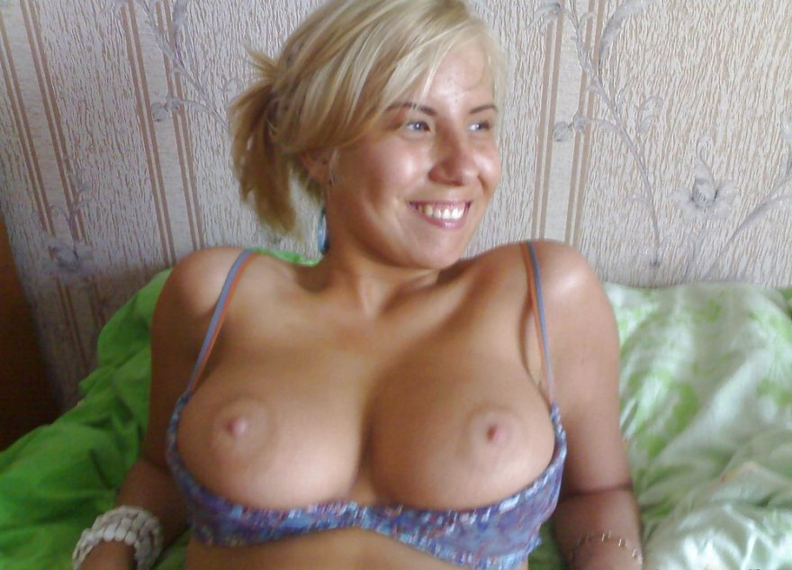 Pretty blonde with nice, big tits. Porn Photo