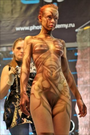amateur photo Naked fashion show