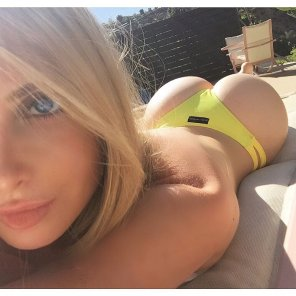 amateur photo Amanda Lee