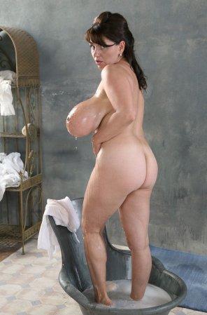 amateur photo Milena Velba Bathing Her Gorgeous Body