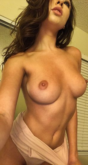 amateur photo Melissa Moore
