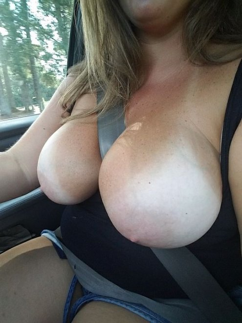 IMAGE[Image] Just driving with my tits out! Porn Photo
