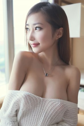 amateur photo Busty Asian women are my weakness