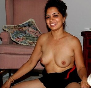amateur photo Indian Beauty - Brown Nipples - Young Girl Naked