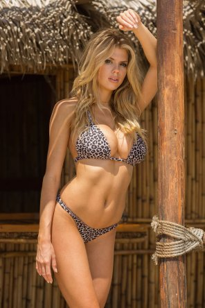 amateur photo Charlotte McKinney