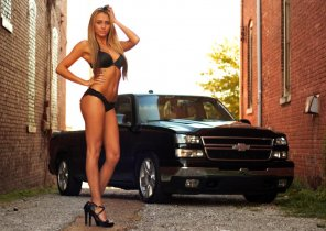 amateur photo a leggy blonde
