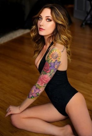 amateur photo Tattooed Goddess