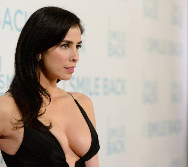 Sarah Silverman's great cleavage Porn Photo