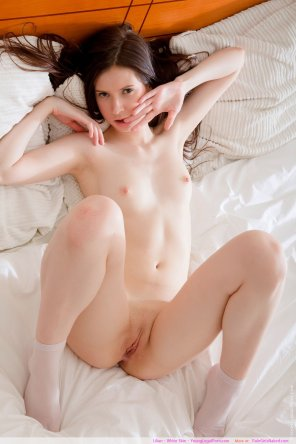 amateur photo White Skin Lovely girl: