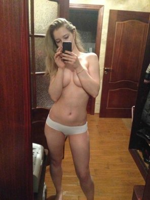 amateur photo PictureTopless But Showing Nothing