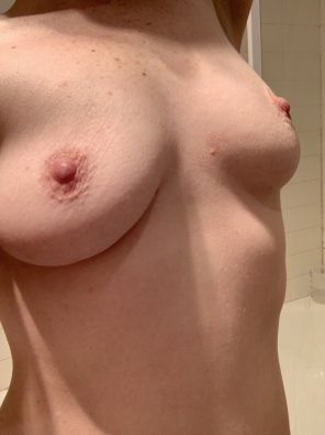 amateur photo Perky, small and sensitive - three words to describe both me and my tits - 36[F]