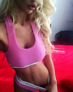 amateur photo PicturePinky Blonde