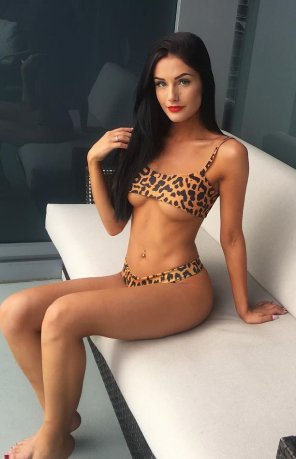 amateur photo Bikini brunette