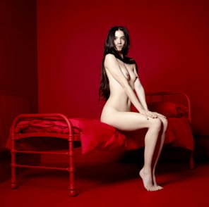 amateur photo Red room