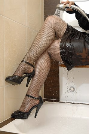 amateur photo Wet fishnets in the shower