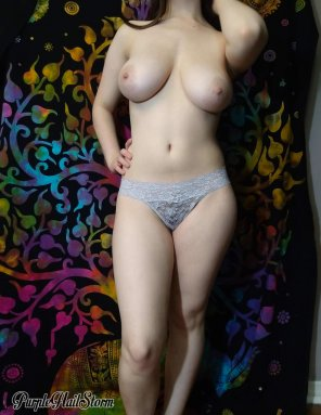 amateur photo Pretty lace, fantastic tits and a hint of a bush...