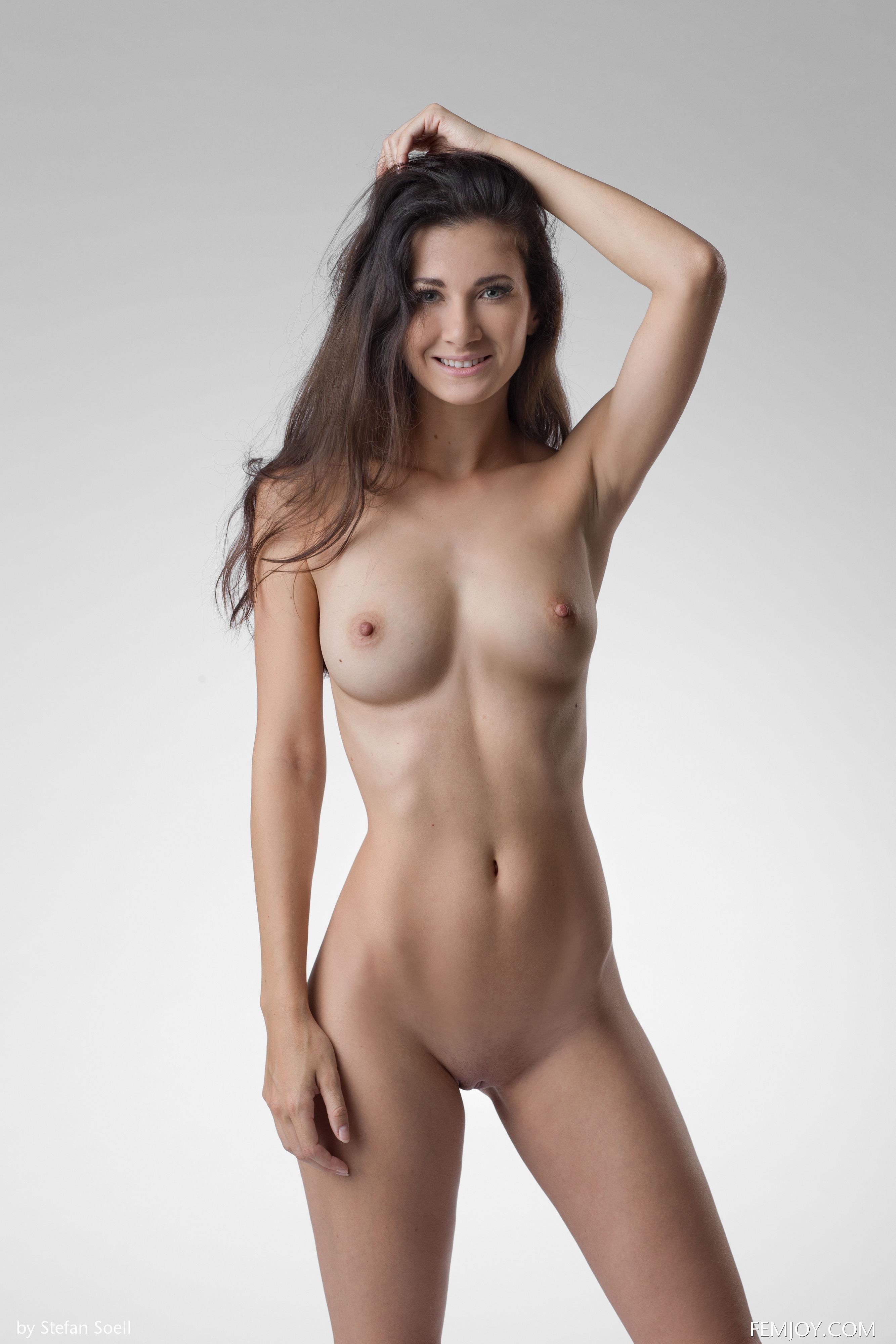 naked asian girl loves bieber