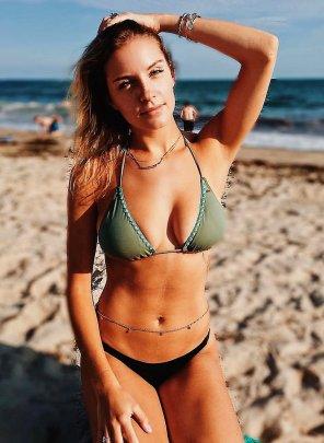 amateur photo IMAGE[Image] Bikini babe