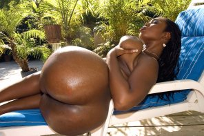 amateur photo Delotta Brown enjoying the outdoors